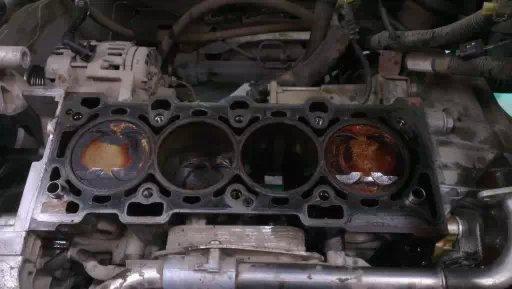 科鲁兹发动机活塞故障连杆弯曲
