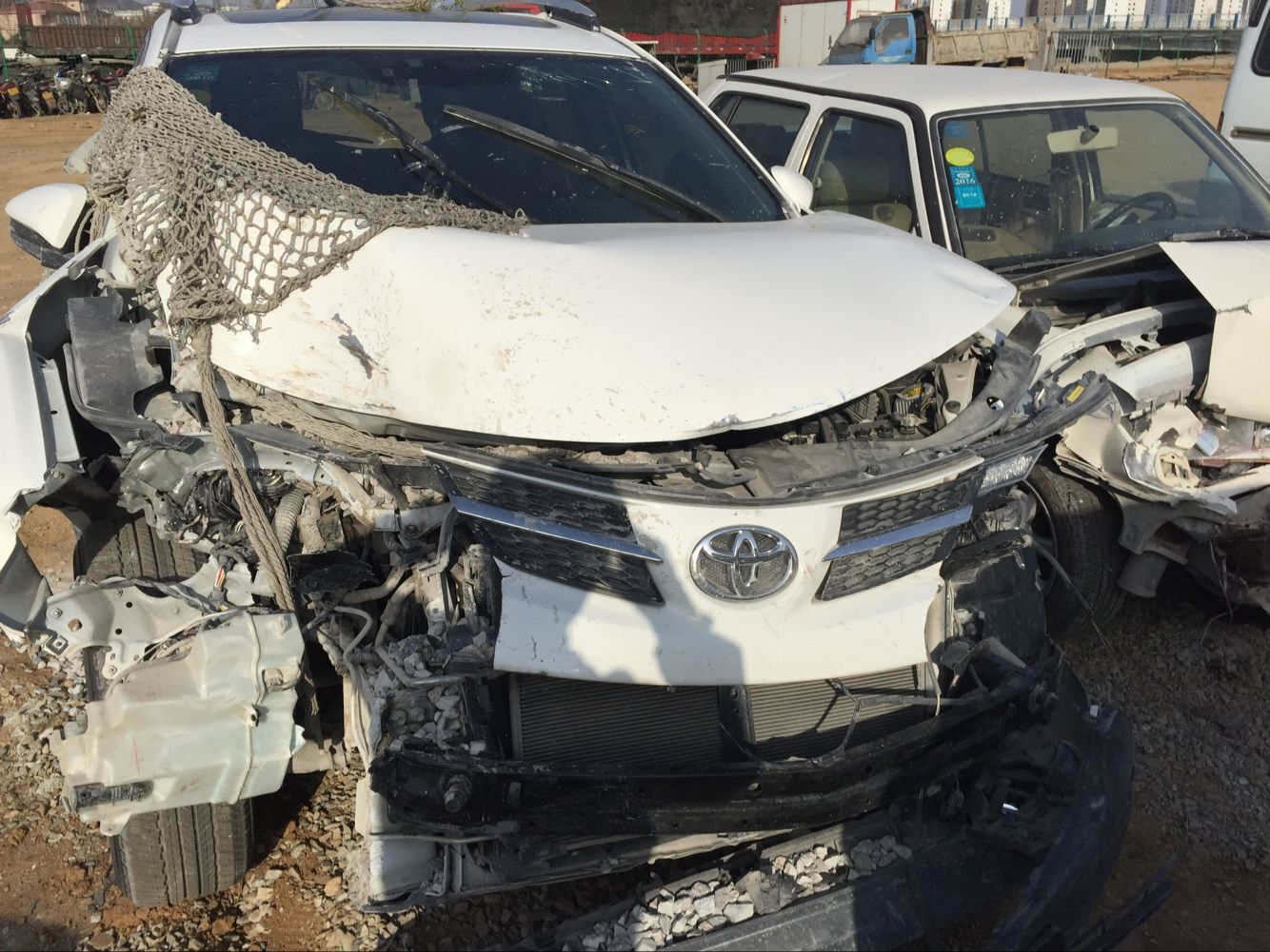 丰田rav4车费人伤,不见气囊,安全保障何见?