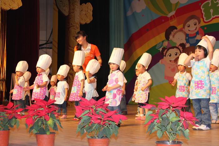 幼儿园的亲子时装秀