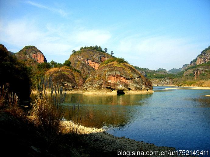 龙虎山风景区位于江西省鹰潭市,属于丹霞地貌,是我国道教的发祥地,是