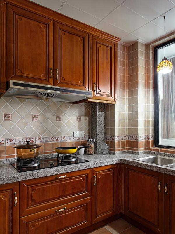 大气古典豪华美式风格公寓装修效果图