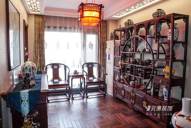 设计了一个红木家具的茶室和