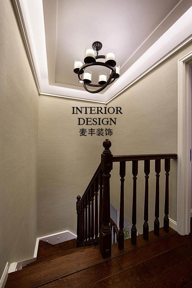二楼楼梯吊顶效果图