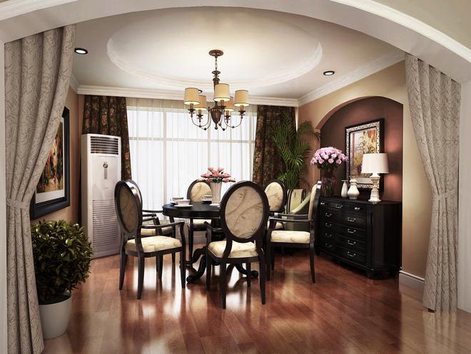 此方案为简约美式风格,低调而不失奢华,同时又兼具舒适、实用等功能,以深褐色为主色调,辅以黄色系的软装,突出体现设计风格,反映出主人的独特品味。圆形吊顶与同形状的餐桌搭配设计,无形中提升房间高度,使客厅空间感增强,给人宽敞明亮的视觉感受。浅褐色核桃木地板与黑胡桃木家具形成对比,区分空间层次。客厅设计中,最大的亮点是壁炉造型的电视背景墙,在材质、颜色方面与实木地板形成强烈对比。软装设计上均采用柔软饱满的布艺配饰,达到了客厅整洁、自然的视觉效果。从地面到墙面都是采用防水瓷砖,摒弃了生冷的白瓷砖代替褐色文理的仿古