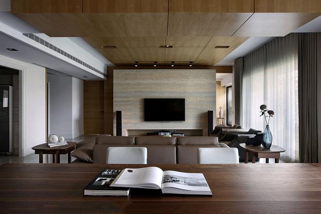 房屋位置:台中市西区  设计风格:现代风格  空间格局:客厅,餐厅,厨房