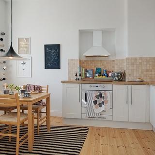 57平米温馨氛围包裹原木家 拥有神话般视图的公寓