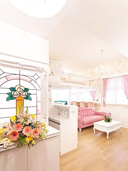 56平米现代loft粉嫩公主房装修效果图