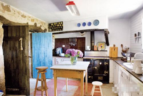水彩画里的乡村混搭农舍装修效果图 糖果色靓丽LOFT