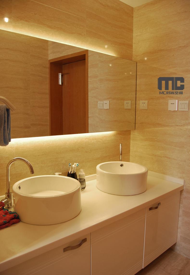 现代简约温馨三房两厅装修设计 晶金花羽高清图片