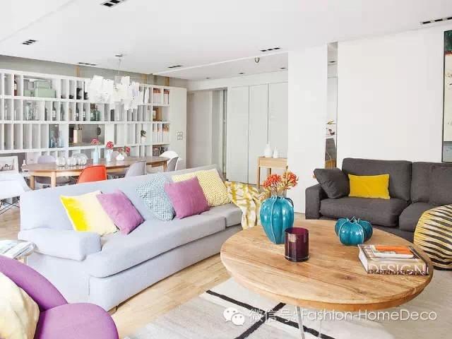 西班牙马德里的彩色三居室