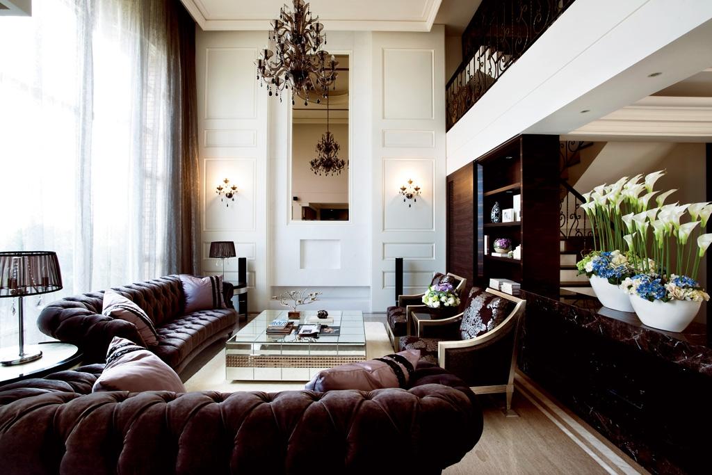 奢华三居220平欧式别墅客厅沙发茶几植物装修效果图