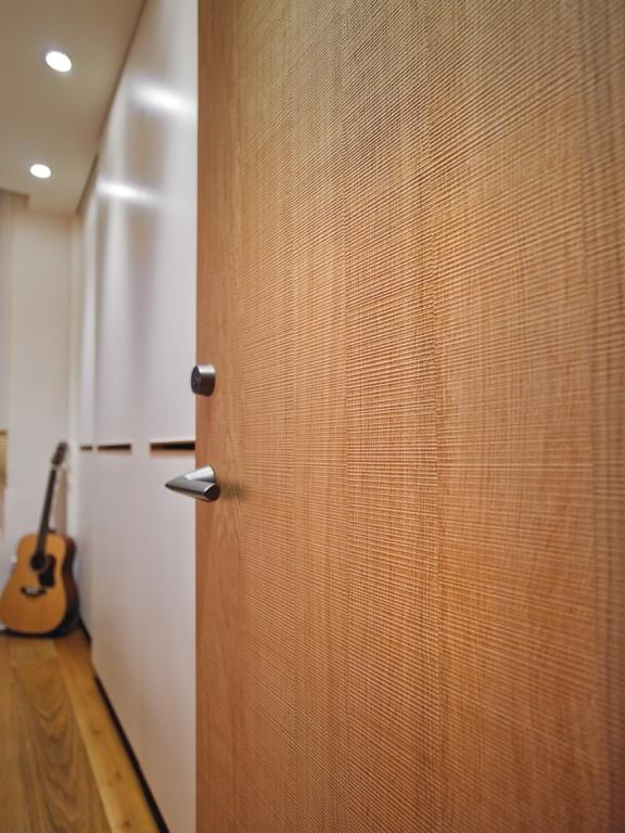 木质架构的混搭风情个性三居室装修效果图