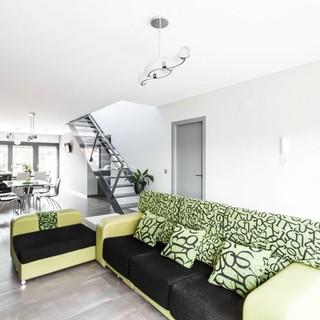 翠绿装点的灰白现代优雅复式