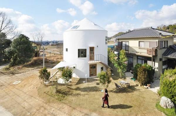 日本夫妇谷仓形状的日式双层住宅装修效果图