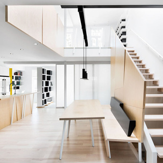 简约明亮的现代风复式公寓图片