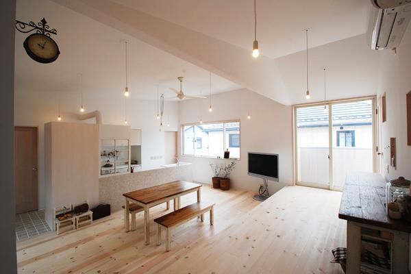 日式利用高低差做隔间的特色住宅装修效果图