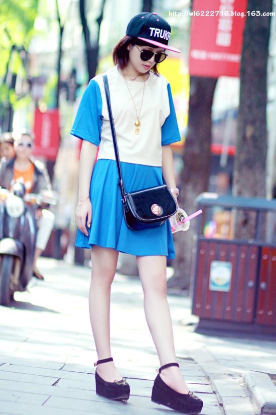 街头也可以穿出复古范。 - 草莓小玩子 -