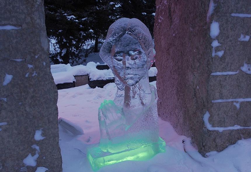 哈尔滨冰雕艺术家,来加拿大曼省举办冰雕展览 - sihaiyunyou - sihaiyunyou的博客