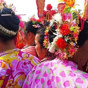 """泉州浔埔女:头上的""""小花园"""" - 余昌国 - 我的博客"""
