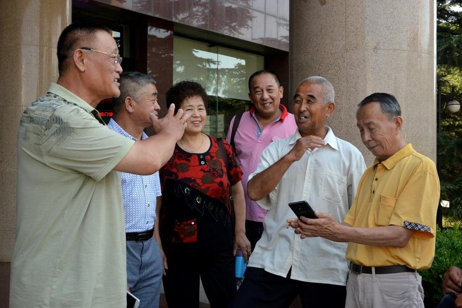 五队110多位荒友相聚在北京  郁百雄 - zq8523 - 852农场3分场(20团3营)知青网