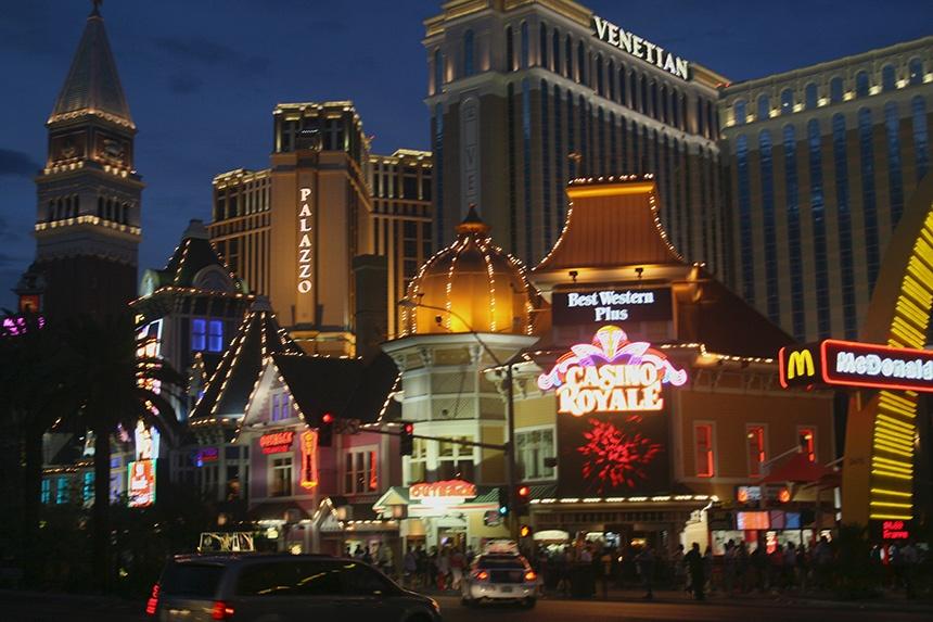 不夜的美国赌城拉斯维加斯大街 - sihaiyunyou - sihaiyunyou的博客