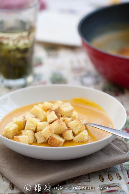 南瓜浓汤好喝的秘诀----奶香南瓜浓汤 - 耀婕 - 耀婕食生活