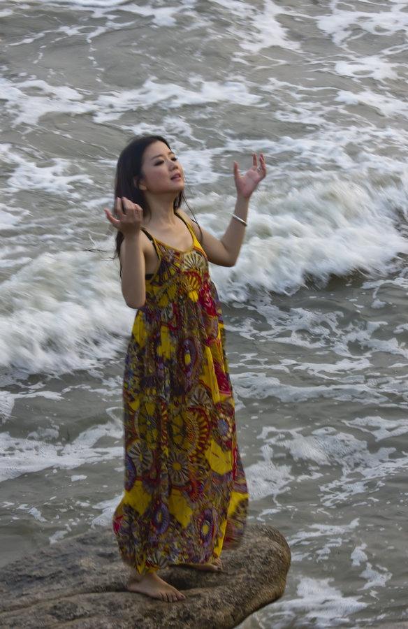 戴河海滨拍模特,碧浪惊涛美人鱼 - 侠义客 - 伊大成 的博客