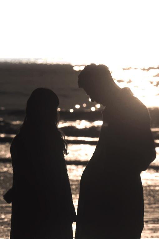 日本歌手中岛美雪和吉田拓郎,年轻时曾为恋人,后来他结过三次婚.