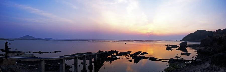 烟墩角海上观朝霞,天鹅湾渔港拍海鸥  -白天鹅拍摄之五 - 侠义客 - 伊大成 的博客