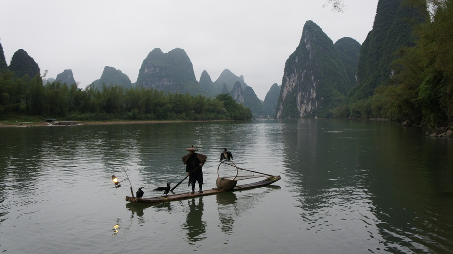 桂林:漓江渔火—鱼鹰捕鱼 - 余昌国 - 我的博客