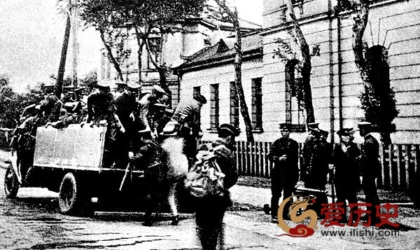 """伪满设""""犯罪节""""滥抓国人 - 爱历史 - 爱历史---老照片的故事"""