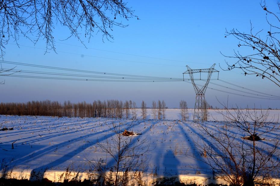 实拍:感受乡屯雪野天人合一的自然之美 - 余昌国 - 我的博客