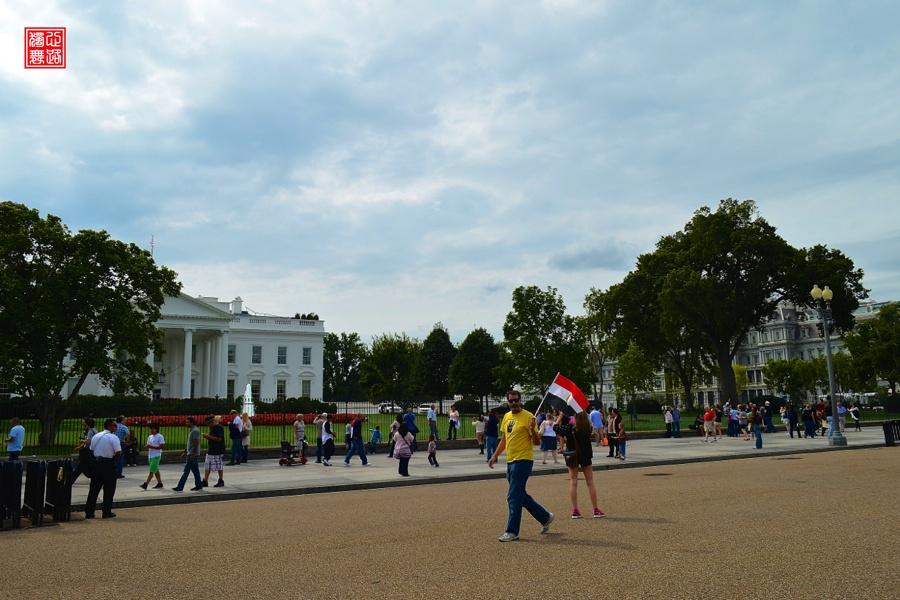 实拍白宫对面的钉子户