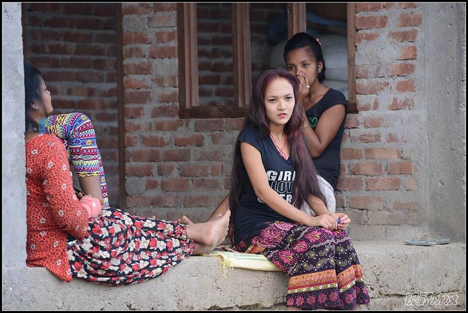 李郎:异域采风尼泊尔 那里少女美如水