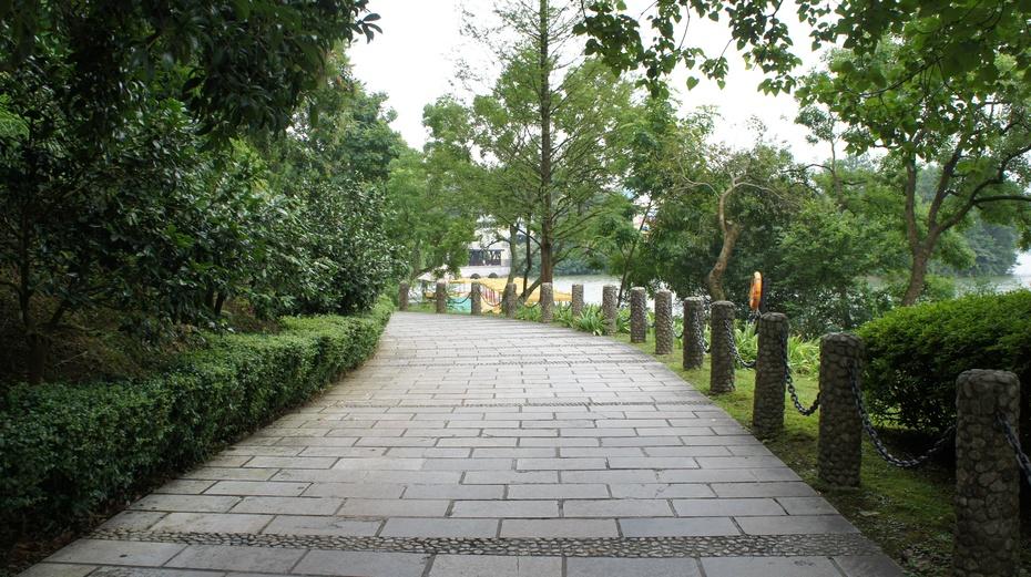 梦幻世界:桂林乐满地主题乐园 - 余昌国 - 我的博客