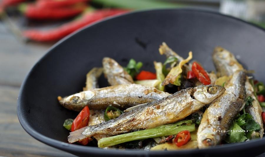 香辣火焙鱼 - 慢美食 - 慢 美 食