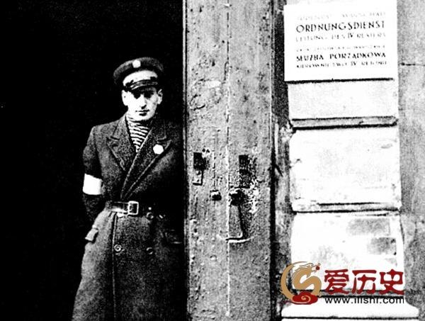 为纳粹残害同胞助纣为虐的犹太警察 - 爱历史 - 爱历史---老照片的故事