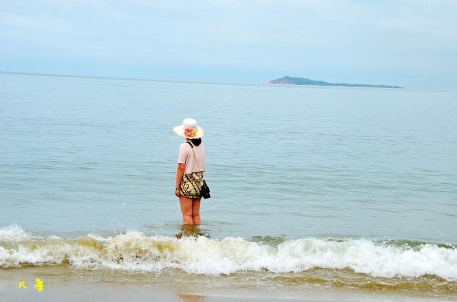阳光 沙滩 海浪 美女 凡尘