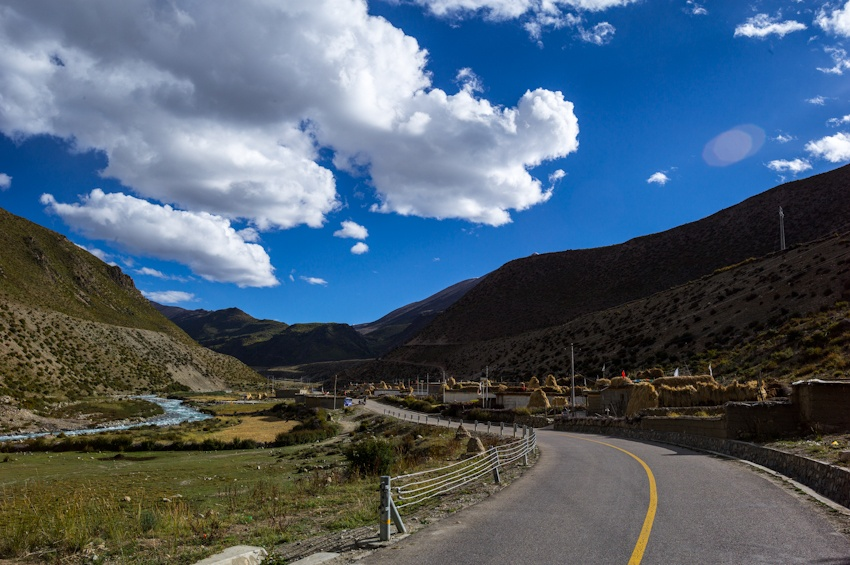自驾川藏线 最美的风景在路上