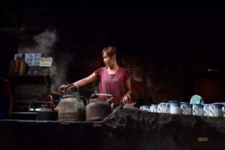 成都老茶馆里的快乐人生 - 余昌国 - 我的博客