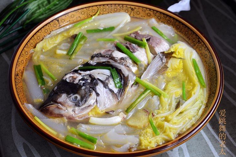 粉皮白菜鲢鱼汤 - 海阔山遥 - .