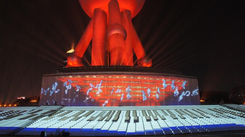 视觉盛宴:东方明珠灯光秀 - 余昌国 - 我的博客
