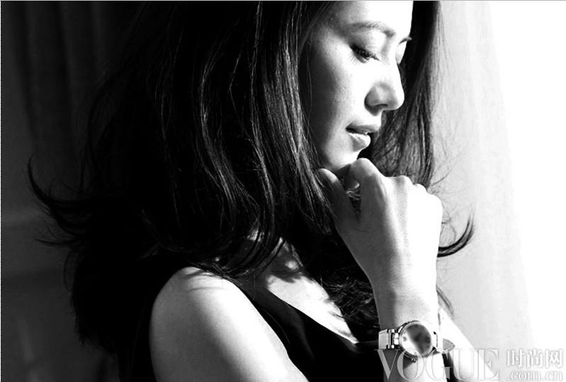 高圆圆腕表搭配引领知性OL风 - VOGUE时尚网 - VOGUE时尚网
