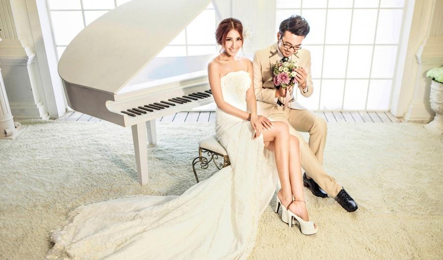 泡袖的婚纱,可爱极了