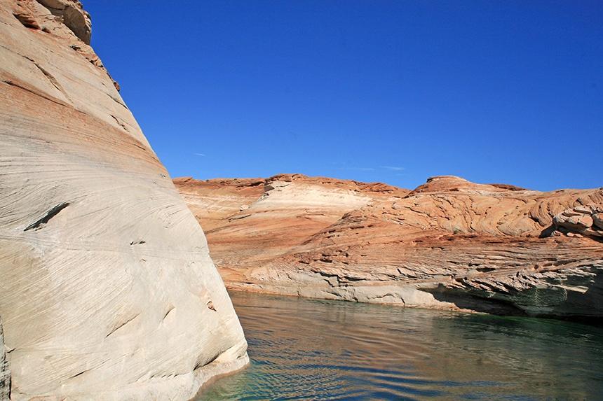 美国著名的第二大人工湖,鲍威尔湖(Lake Powell) - sihaiyunyou - sihaiyunyou的博客
