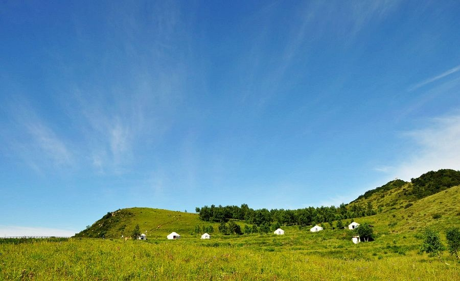 河北涞水:云为被草为席的黄龙云中草原 - 余昌国 - 我的博客