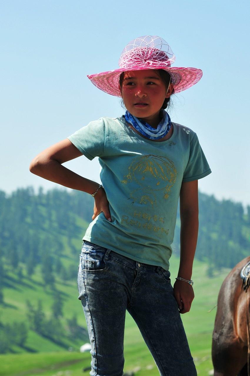 新疆:环北疆艳遇哈萨克美少女