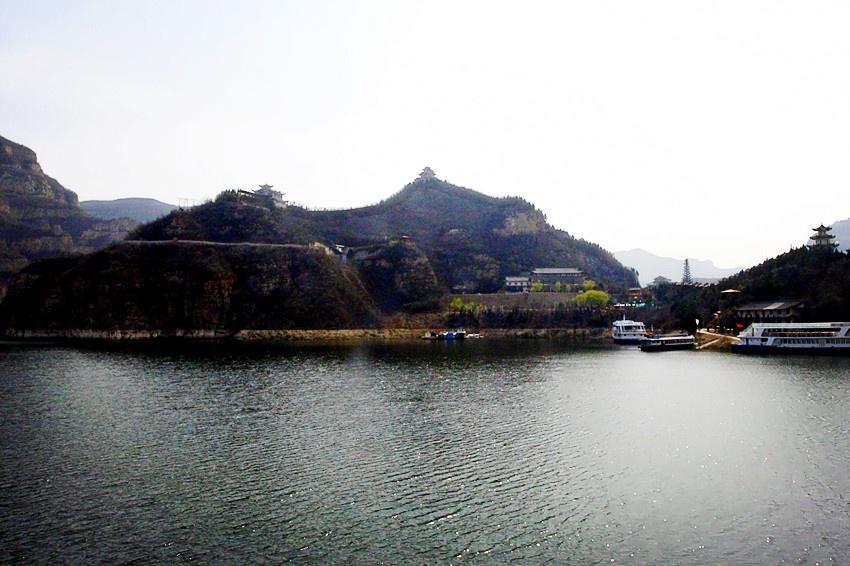 """被誉为""""黄河三峡,皇家山水"""",堪称""""中原第一高峡平湖,华夏罕见大河风光"""