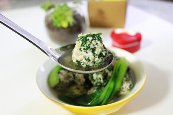 [粗粮细做]荠菜豆腐丸子汤