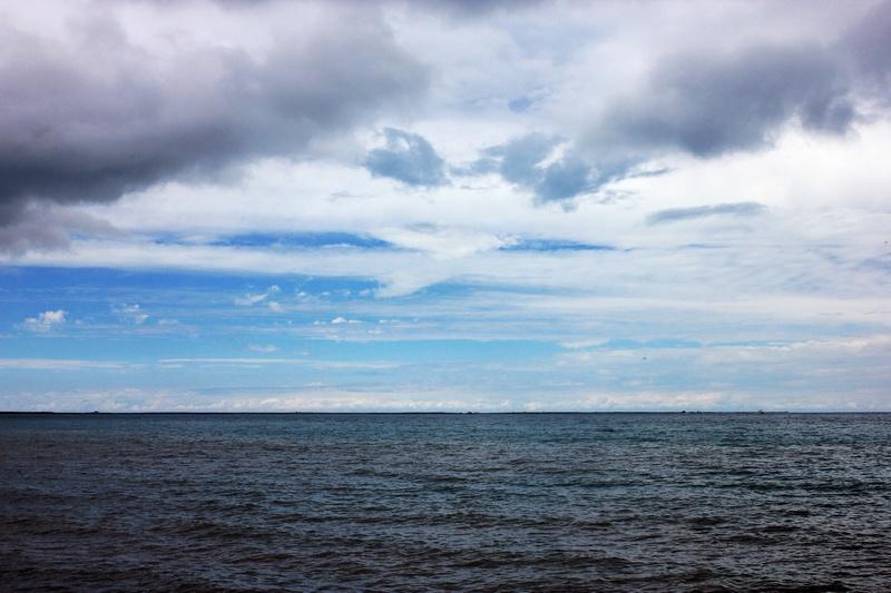青海湖湖区的自然景观主要有:青海湖